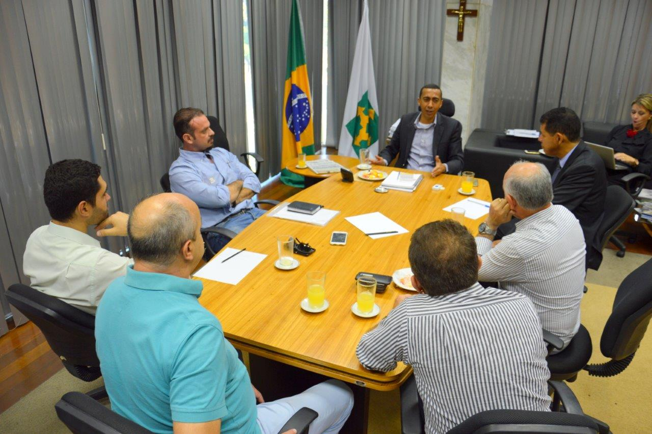 Foto: REUNIÃO COM O VICE-GOVERNADOR DO DF EM ABRIL DE 2016 - 38