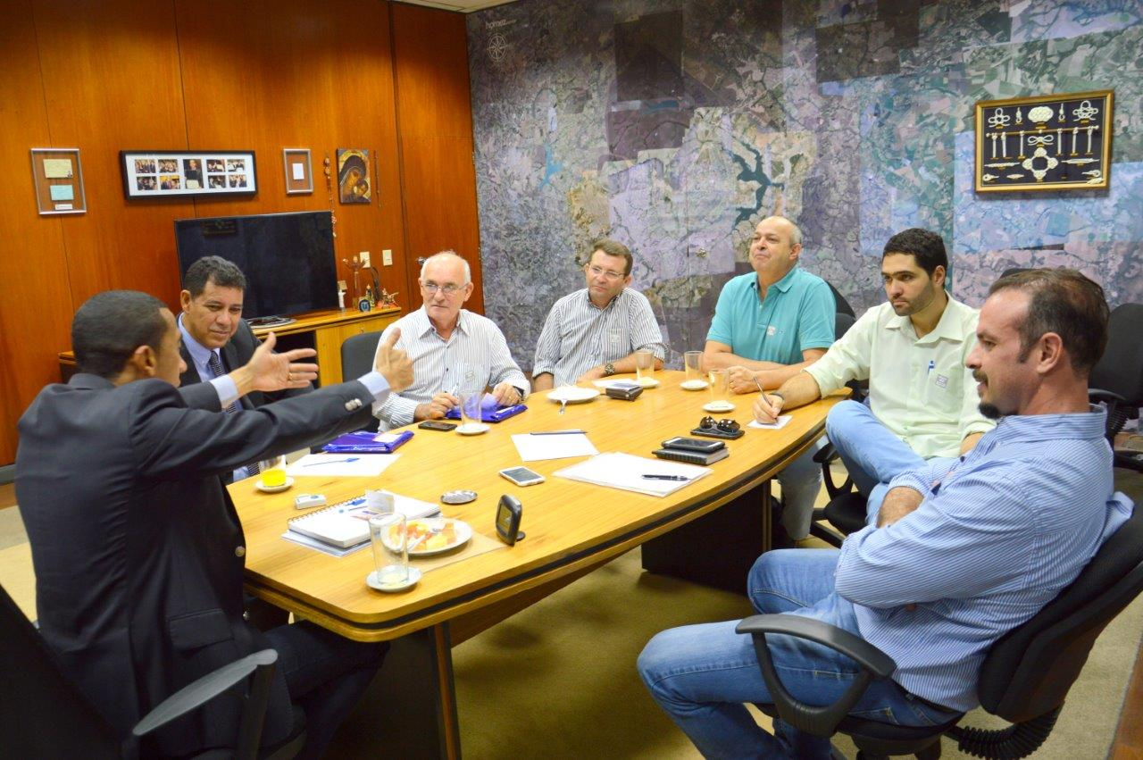 Foto: REUNIÃO COM O VICE-GOVERNADOR DO DF EM ABRIL DE 2016 - 42